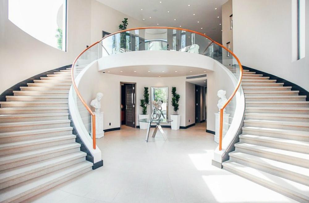 tangga melingkar cantik
