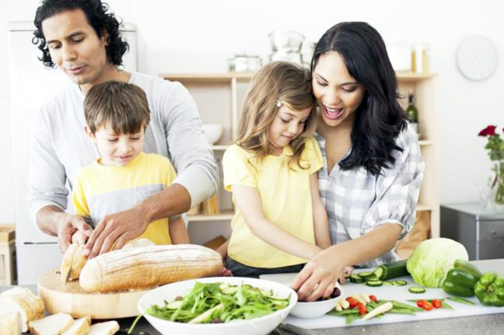 memasak bersama anak